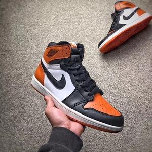 Air Jordan1 扣碎篮板 元年黑橘扣碎